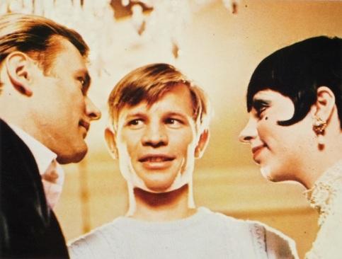 Max (Helmut Griem), Brian (Michael York) & Sally (Liza Minnelli)