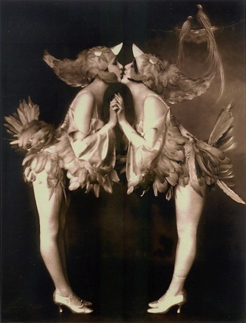 V7 - F Dolly Sisters 3
