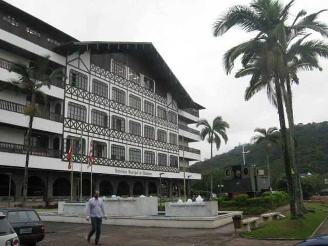 bl-cityhall
