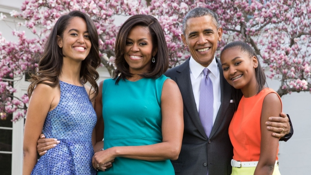 obama-family-portrait-sasha-malia-today-tease-150619_1ddba0ae3952682d6bae521d01abca3d