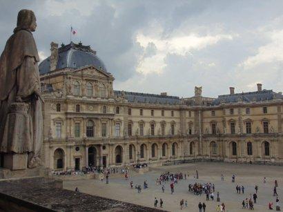SS - Louvre facade