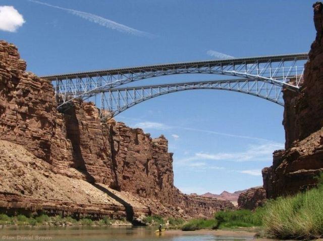 NRV 3 Passsing_Navajo_bridge