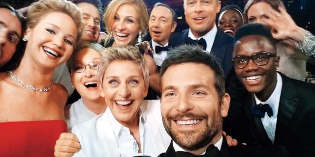 celeb group selfie